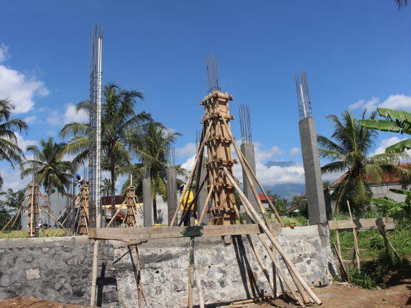 Progress pembangunan gedung relokasi SMPIT Cahaya Insani